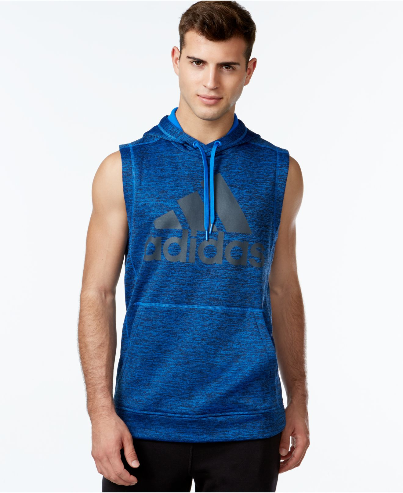 Yogue Activewear brings you stylish sleeveless hoodie to flaunt those guns you have been working hard on. Cover your head in those change of seasons of periods right after coming out of the gym.