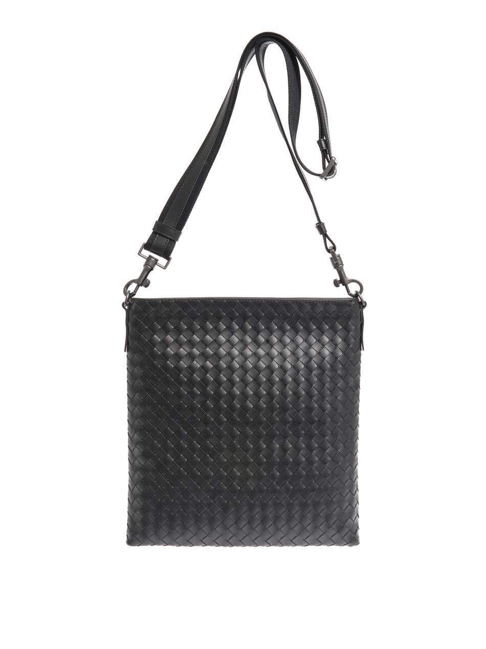 Bottega Veneta Intrecciato Leather Messenger in Black for Men - Lyst 0bc207d1ae