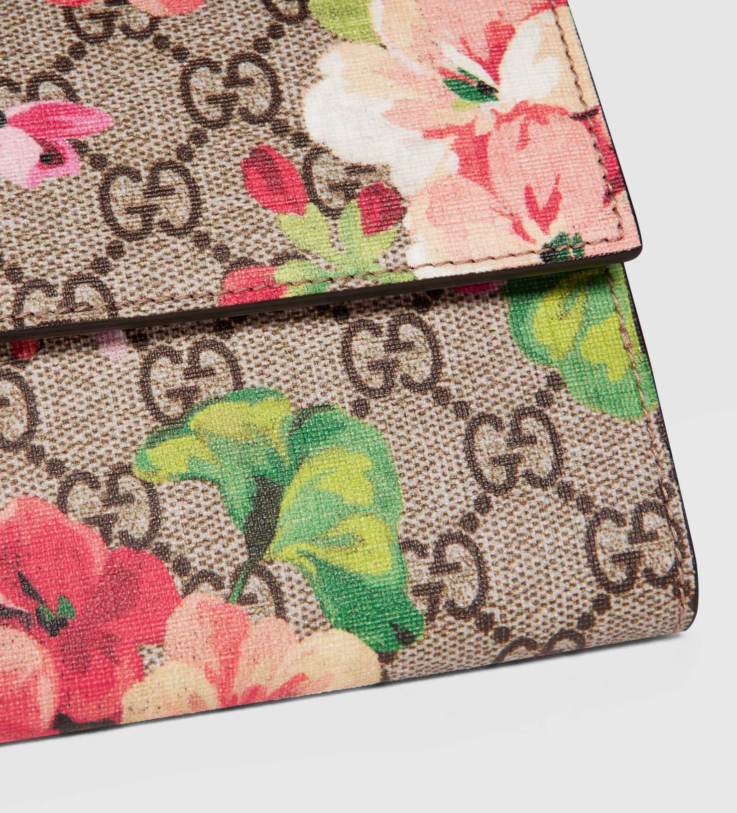 aa26eeac0b4 Lyst - Gucci Gg Blooms French Flap Wallet
