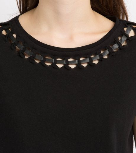 Shirt Necklines Cutout Neckline T-shirt in