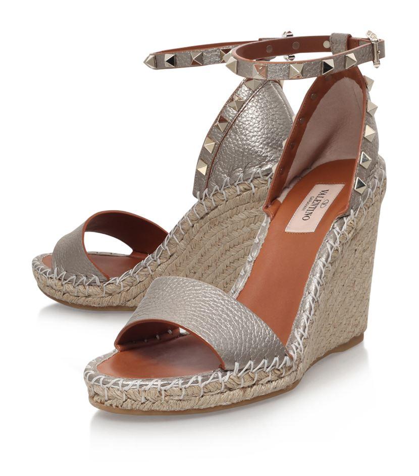90ebfc6b5509 Valentino Garavani Rockstud Leather Espadrille Wedge Sandal