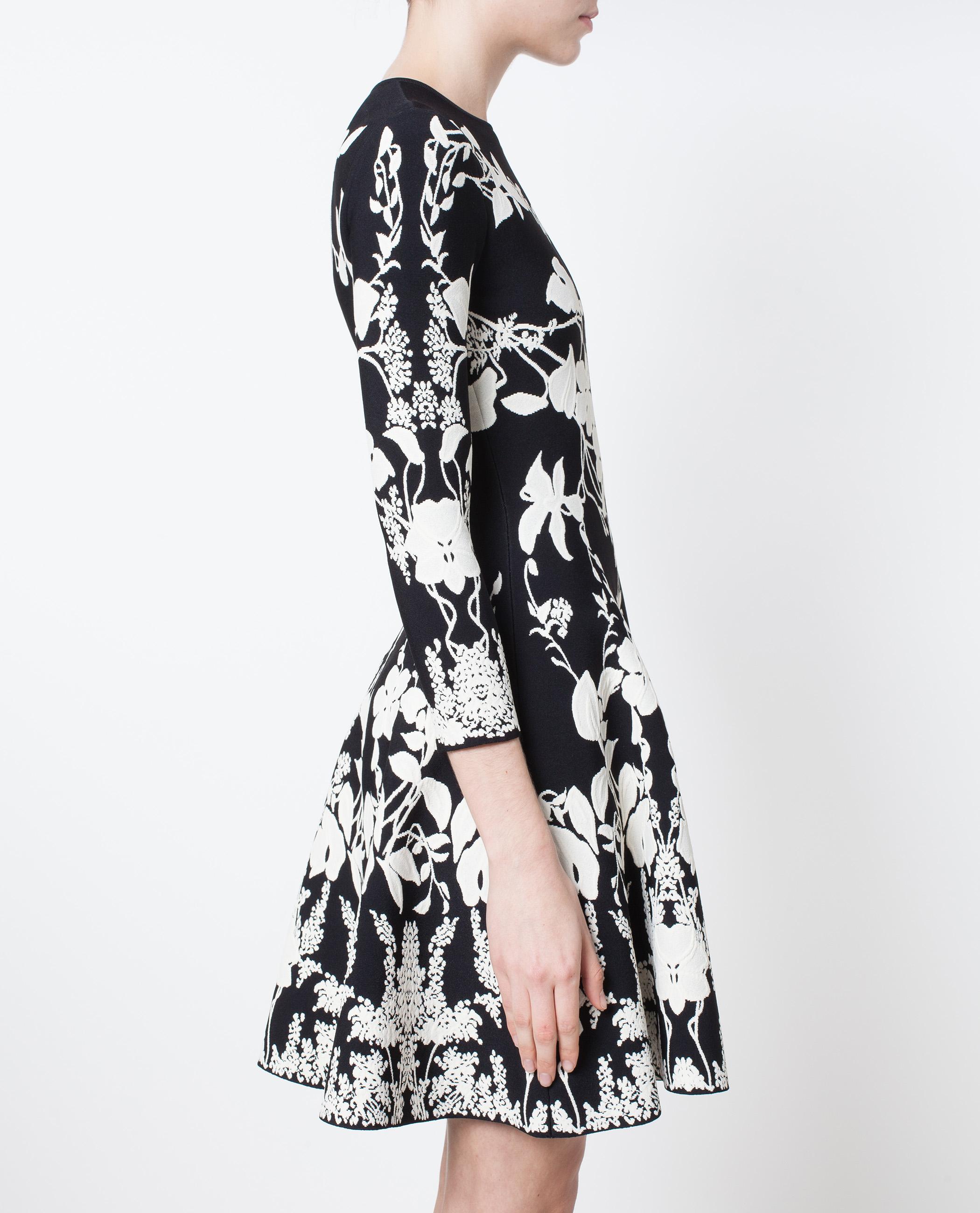 Alexander Mcqueen Floral Patterned Knit Mini Dress In