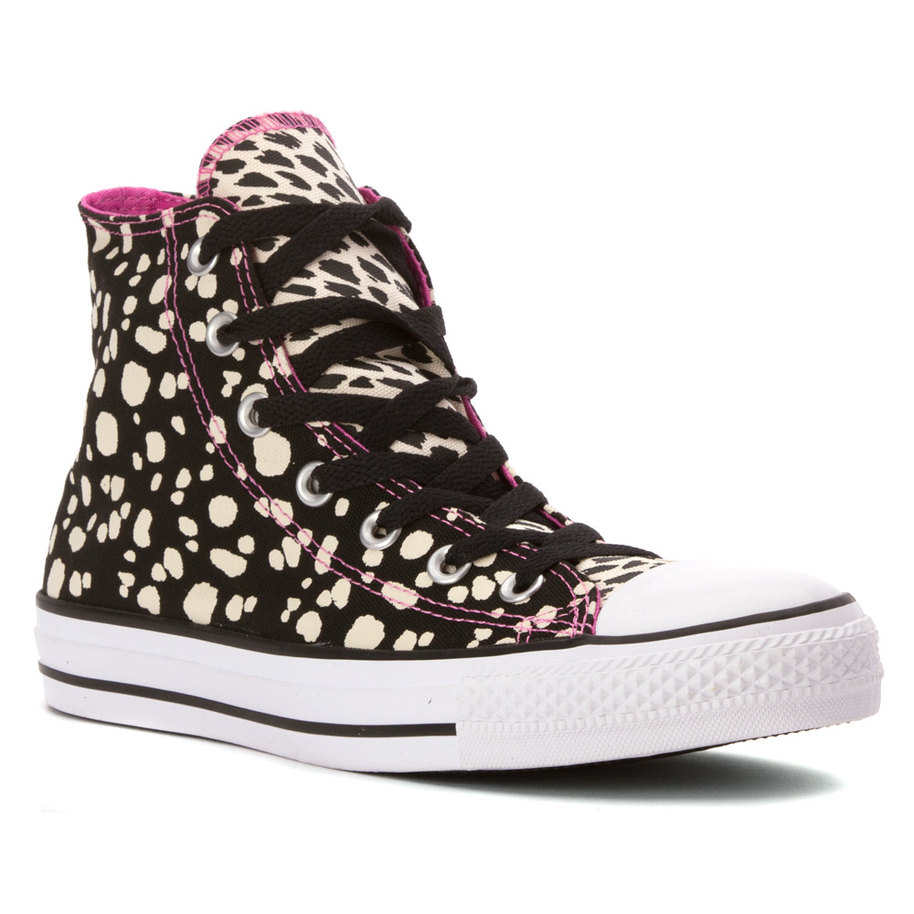 3b9bd4fa90df5f Gallery. Previously sold at  Shoes.com · Women s Converse Chuck Taylor