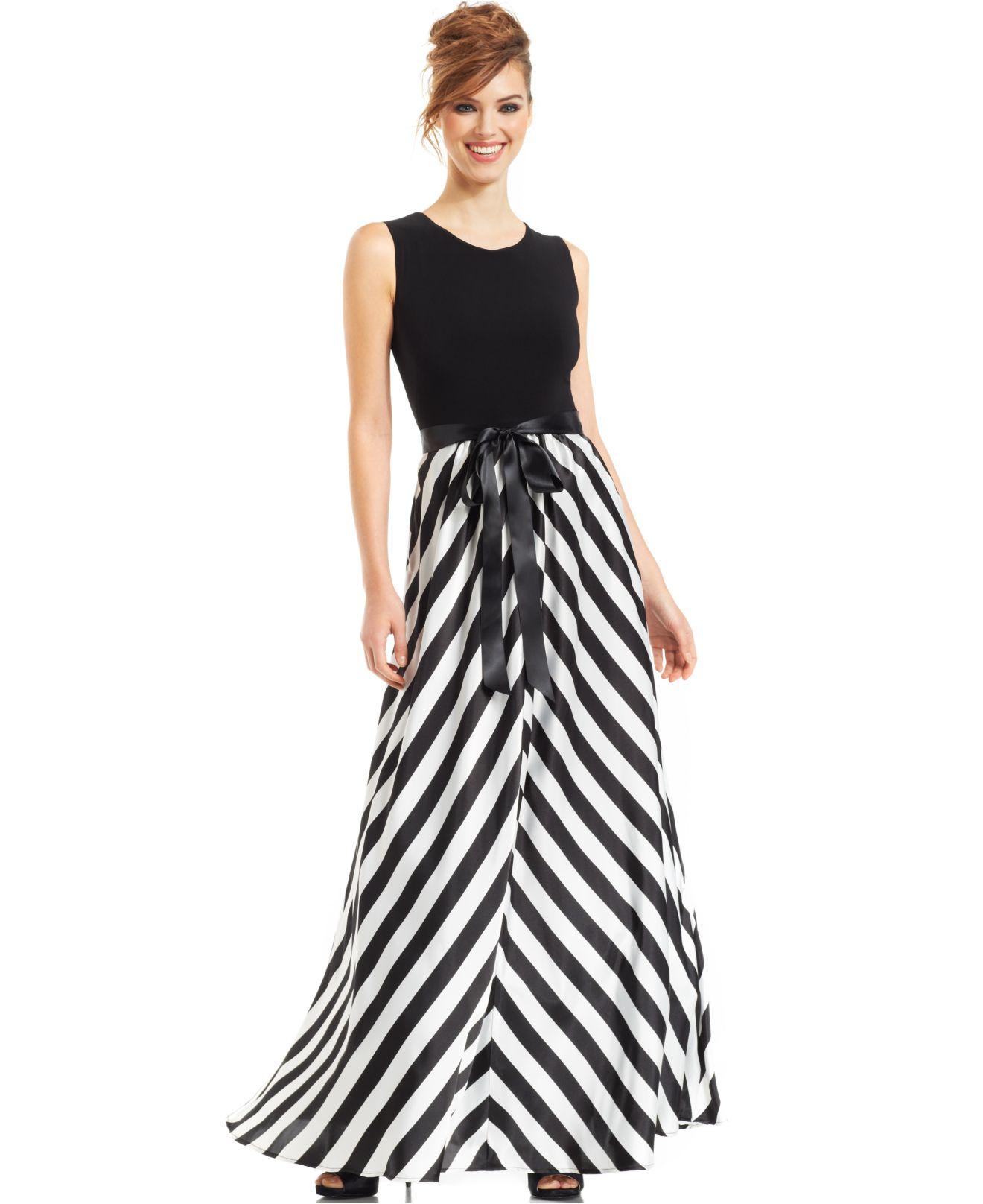 Betsy & adam Chevron-striped Gown in Black | Lyst