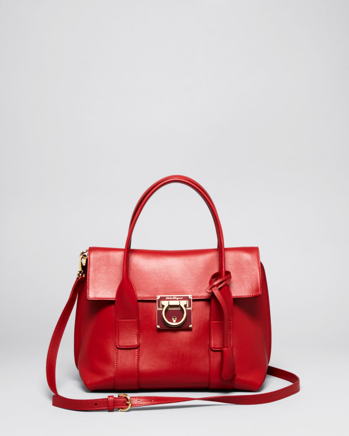 65d67b1f0ef9 Lyst - Ferragamo Satchel - Small Sookie in Red