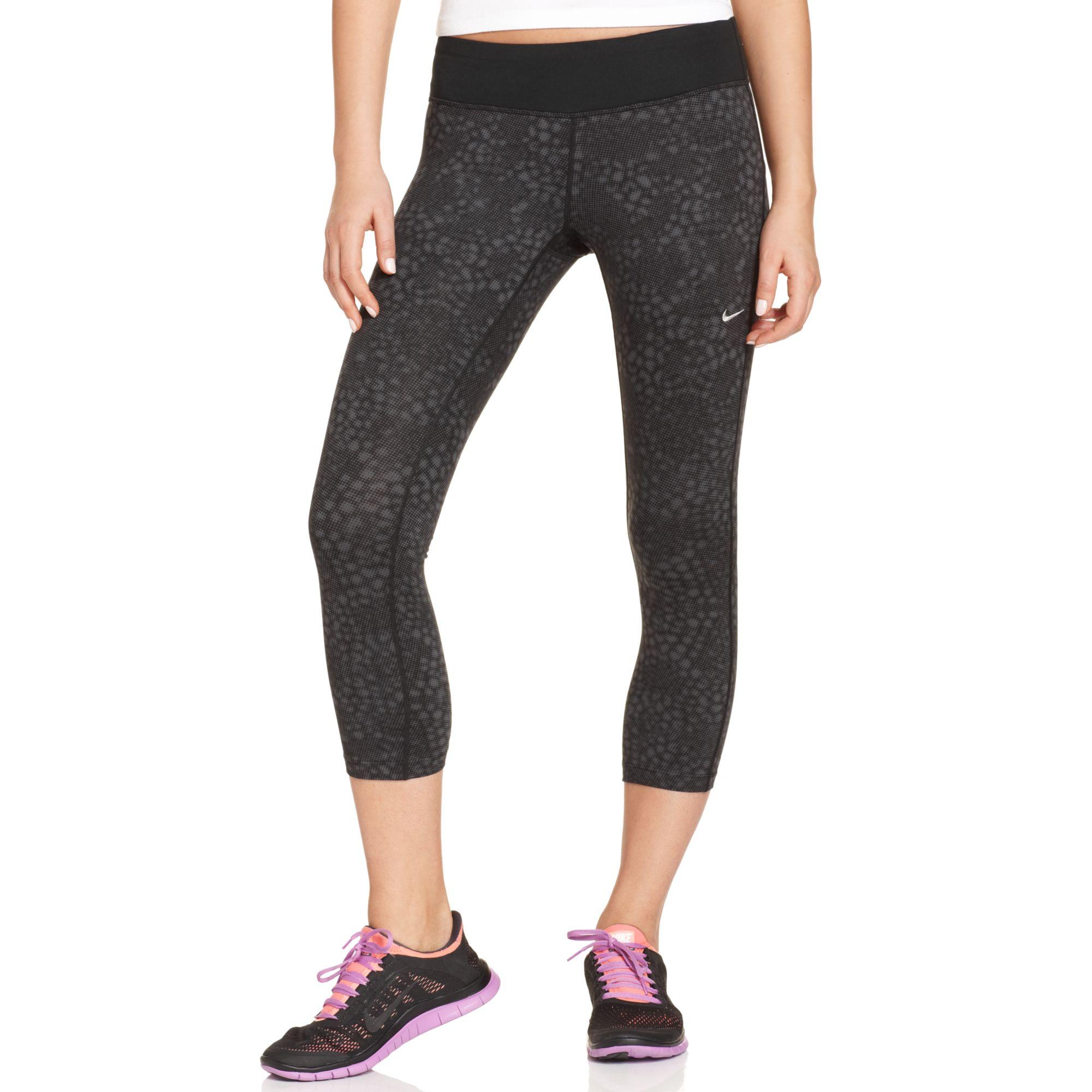 Nike Epic Run Snakeskin-print Capri Leggings in Black | Lyst