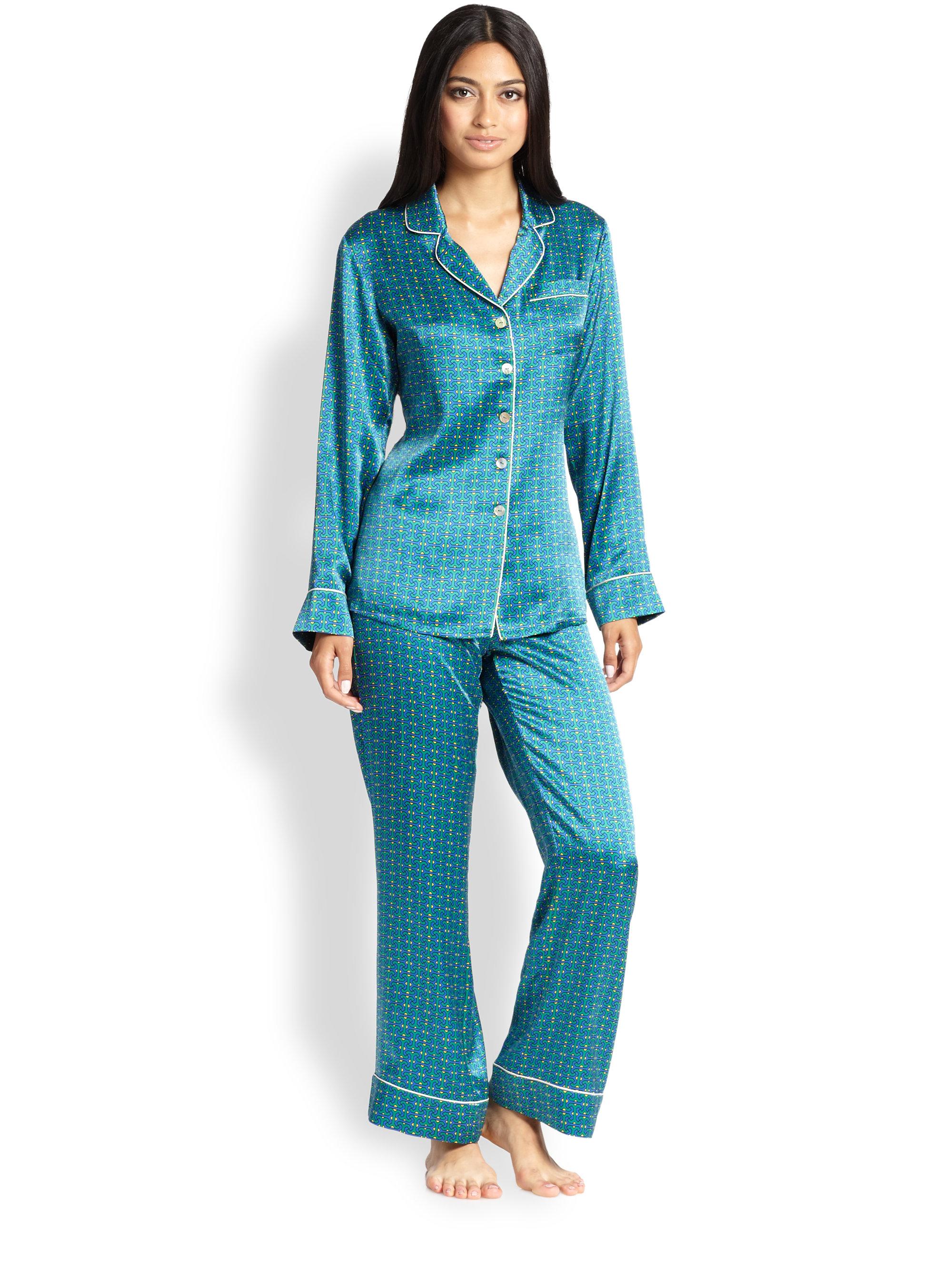 olivia von halle printed silk pajama set in blue lyst. Black Bedroom Furniture Sets. Home Design Ideas