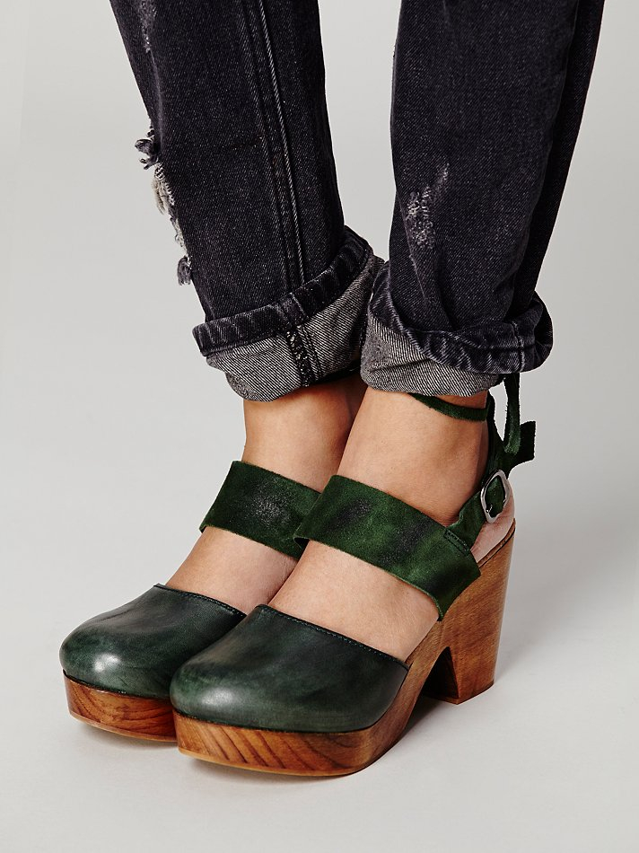 d919bfe96a Free People Belmont Leather Clog in Green - Lyst
