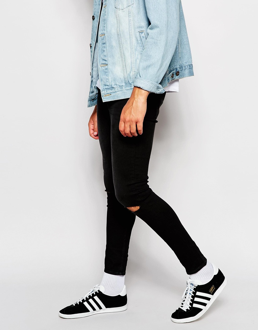 You can pick up a pair of black skinny jeans that will look good with pretty much every basic t-shirt you own! Or, grab a pair of white skinny jeans to make a statement. Or, grab a pair of white skinny jeans to make a statement.