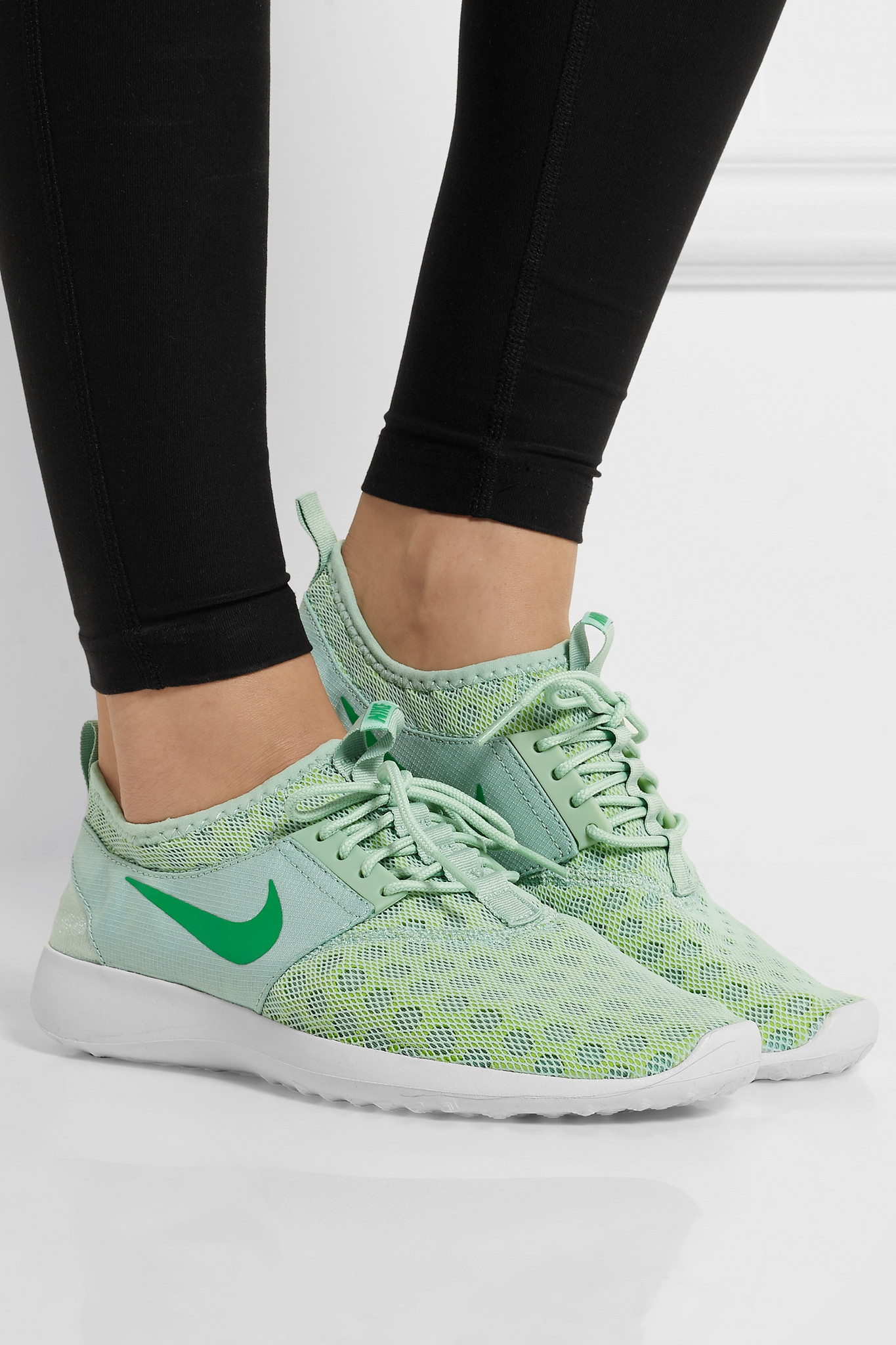 new concept 2faa9 8768a Nike Juvenate Mesh Sneakers in Green - Lyst