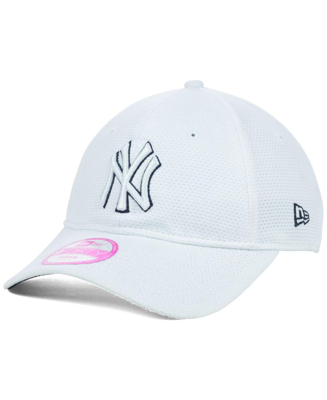 e2b22ff17c9 Lyst - KTZ Women S New York Yankees Tech Essential 9Forty Cap in White