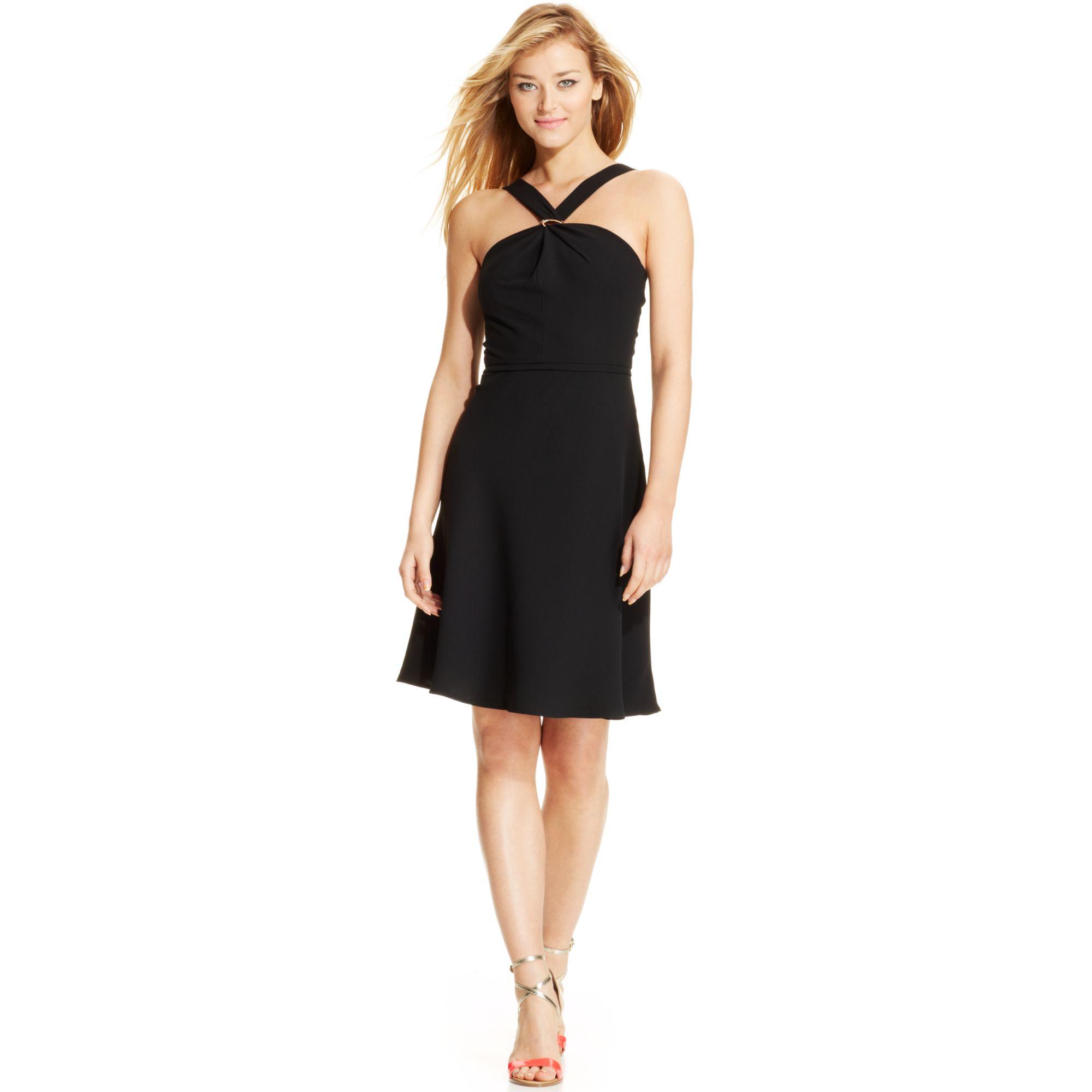 Ivanka Trump Sleeveles... Ivanka Trump Dresses