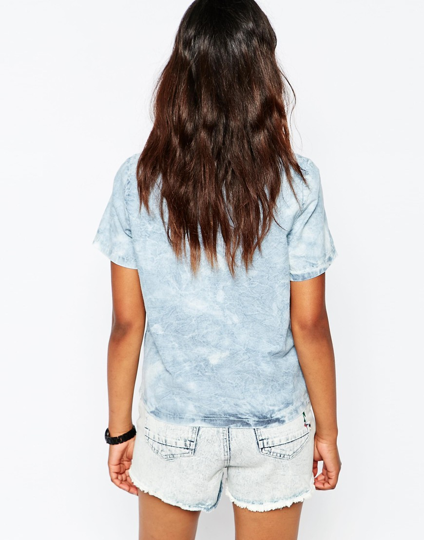 Lyst bellfield marble wash chambray embroidered short for Short sleeve chambray shirt women
