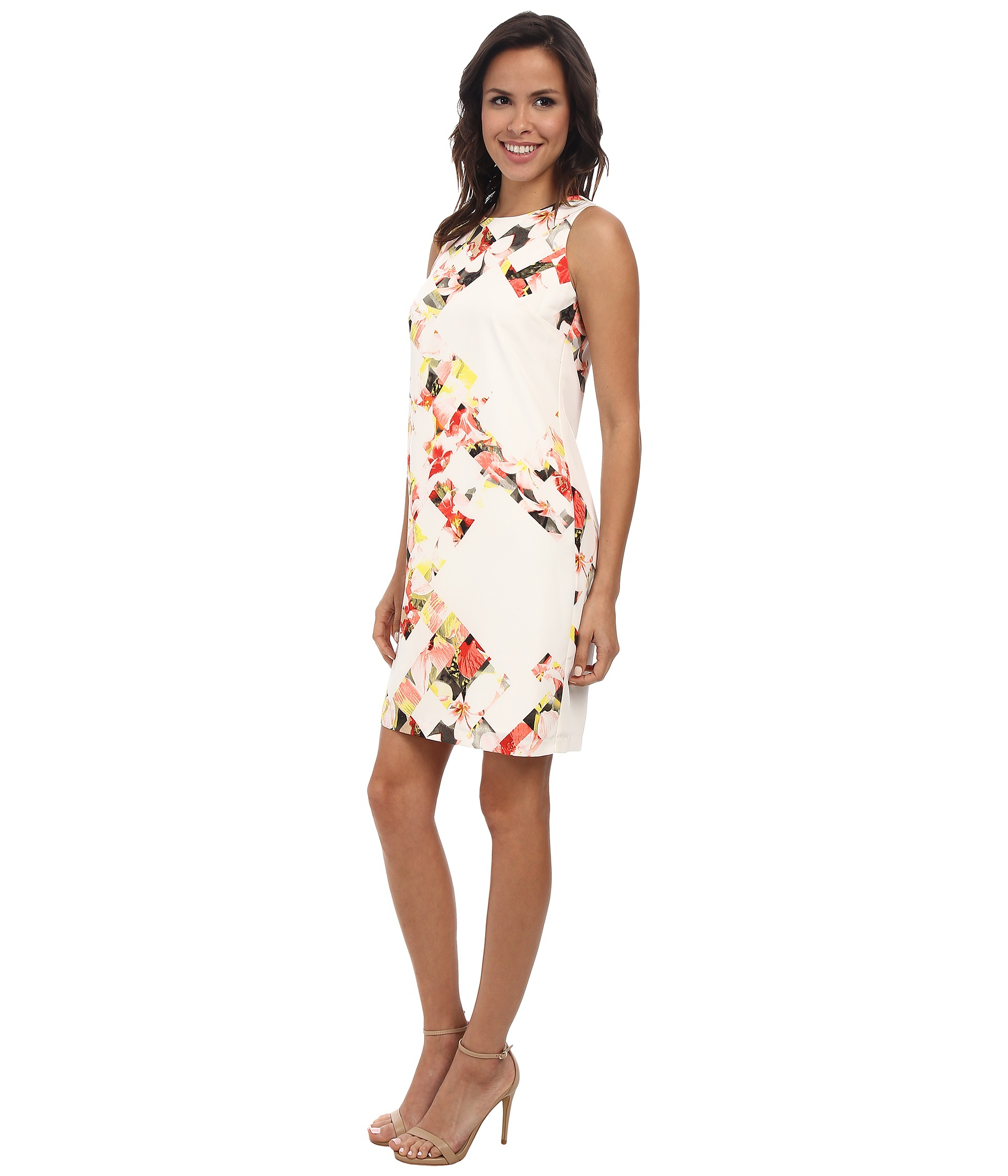 Vince Camuto Sleeveless Broken Photo Floral Shift Dress In