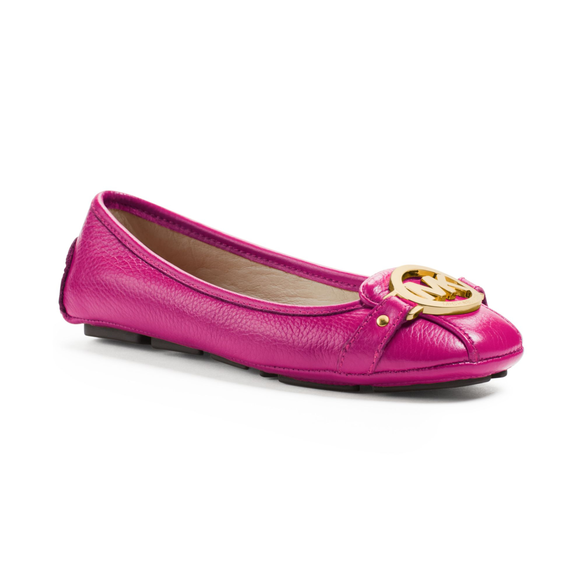 Michael Kors Michael Fulton Moc Flats Fuschia besides 10 Most Beautiful Swedish Women moreover Sergio Garcia Angela Akins Expecting First Child together with Steve Madden Nessie Ankle Strap Wedge Sandals Cognac as well Paul Smith Men Edt P 344. on oscar de la renta man