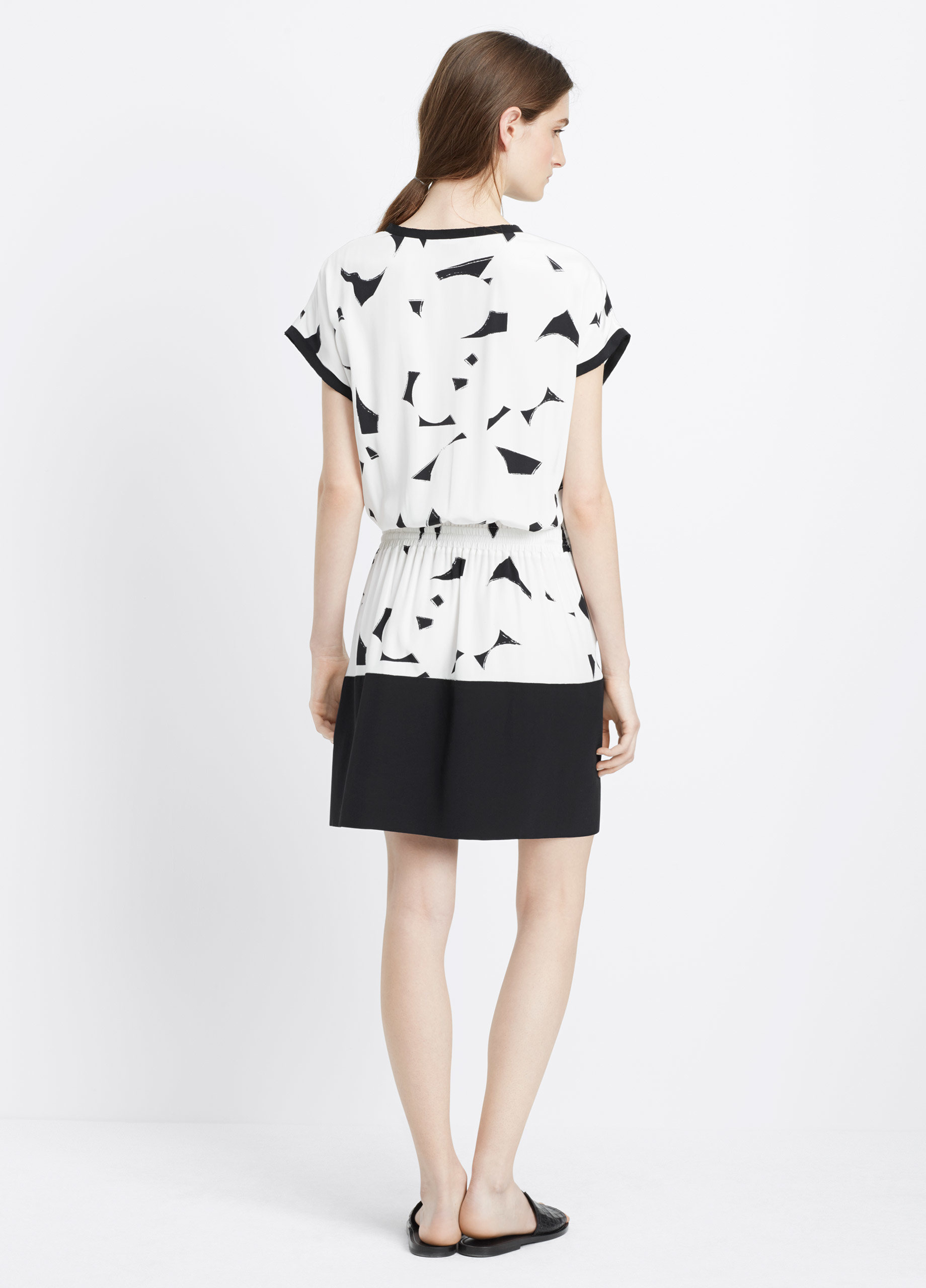 Vince Geometric-Print Silk Dress in White | Lyst