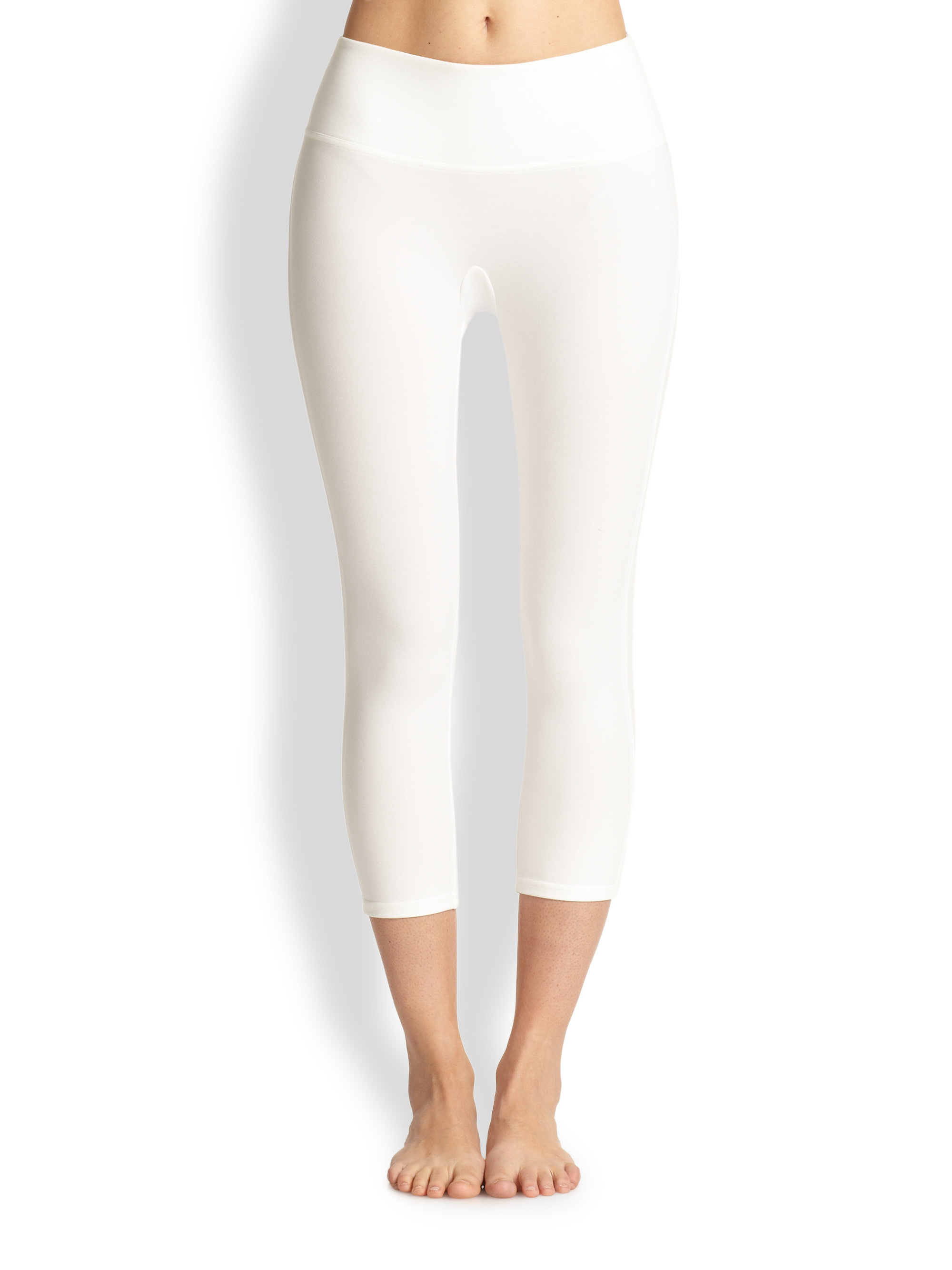 Spanx Capri Structured Leggings in White | Lyst