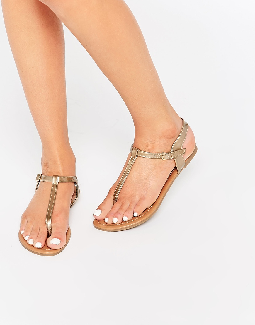 Lyst Daisy Street Gold Toe Post Flat Sandals Gold In