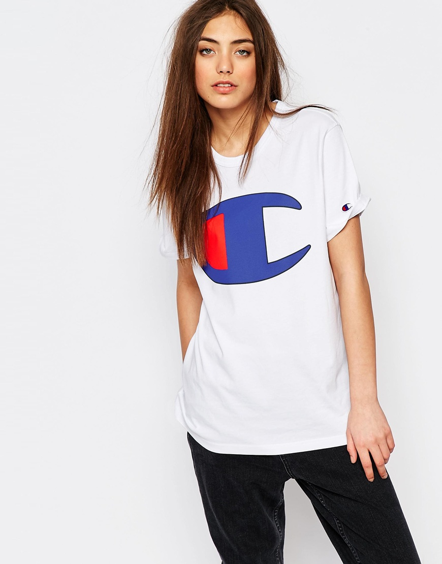 8be5cf41c Champion Oversized Boyfriend T-shirt With Retro Oversized Logo in ...