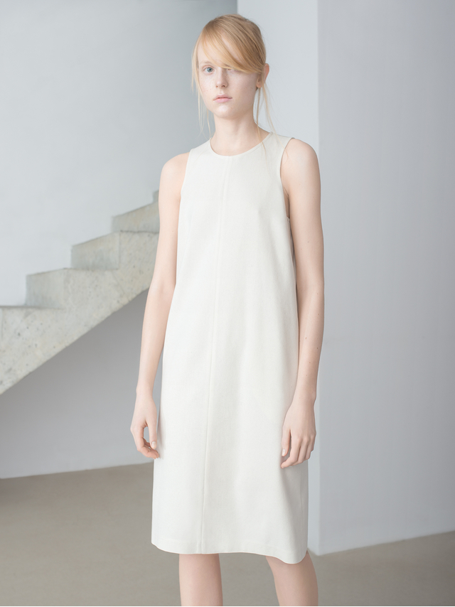 Thisisnon Raw Silk White Sleeveless Shift Dress in White | Lyst