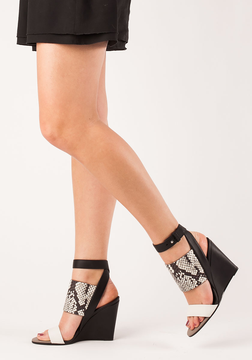 Kyra Patent Leather Strappy Dress Sandals I7WGSb