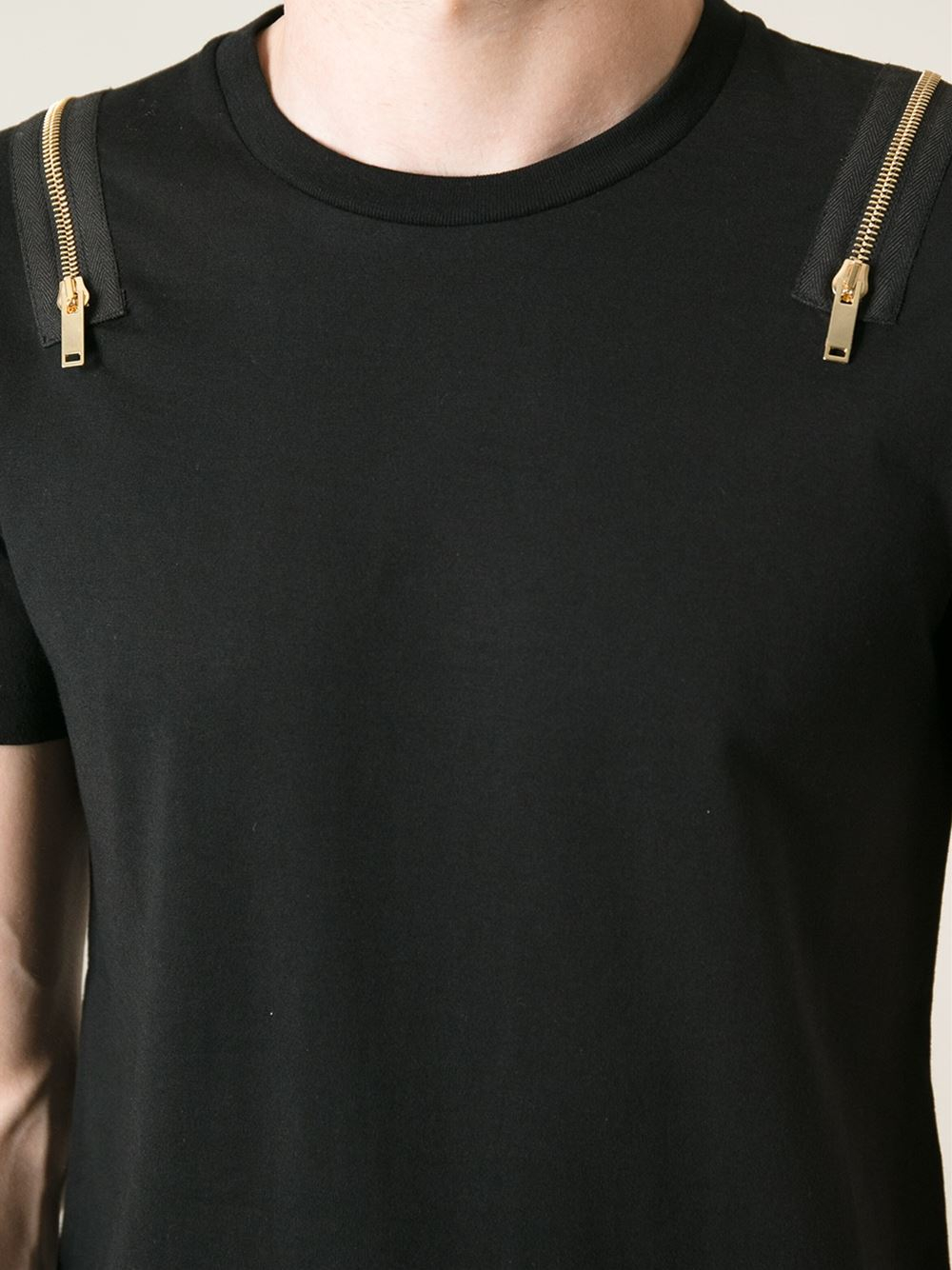 Black t shirt with zipper - Gallery