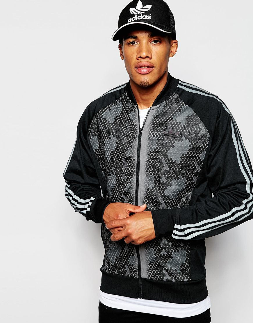 Lyst adidas originali traccia giacca con serpente pannello in nero per gli uomini