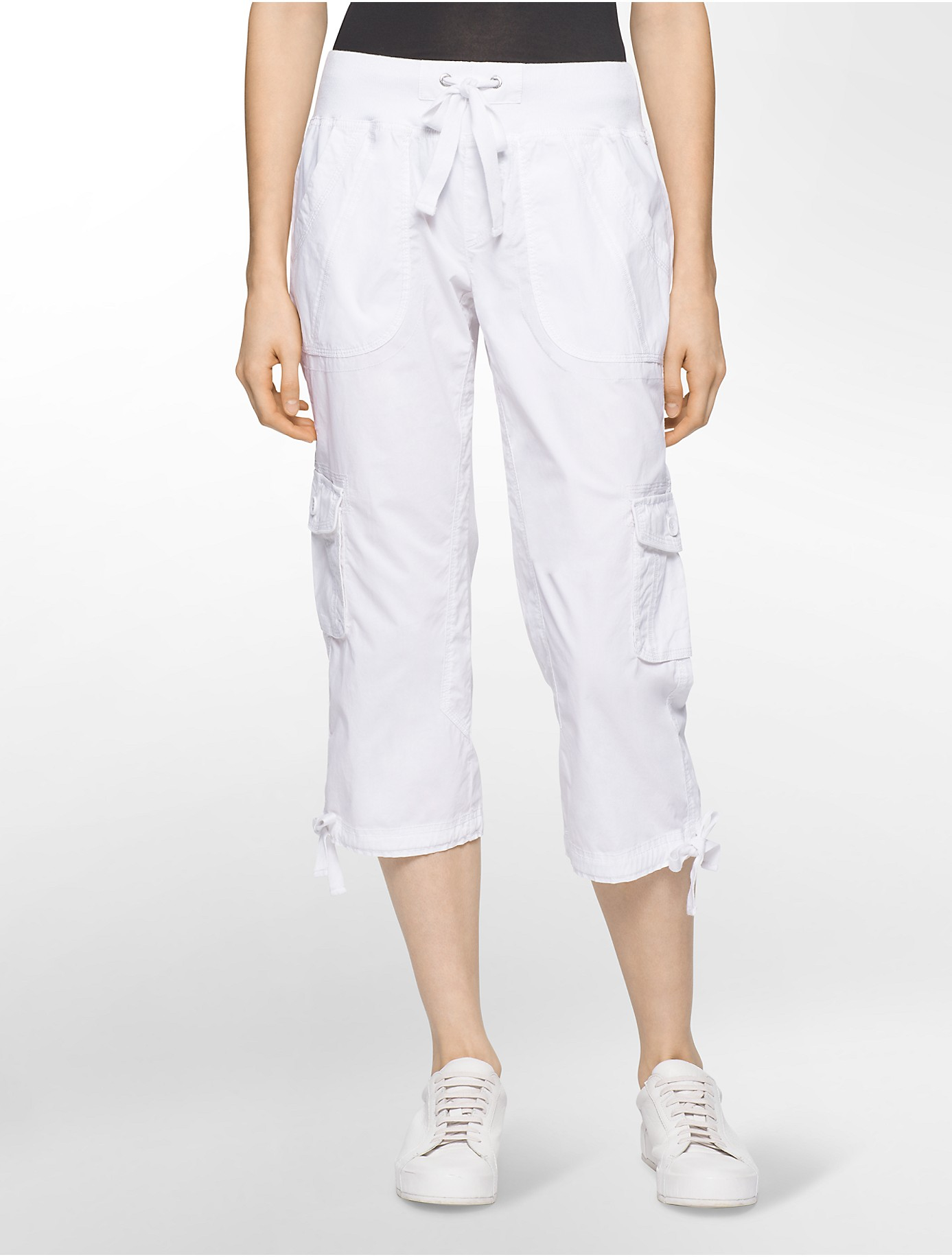 Calvin klein White Label Performance Cargo Capris in White | Lyst