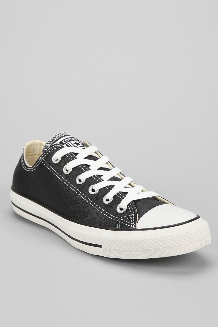 Converse Chuck Taylor All Star Lowtop Mens Leather Sneaker