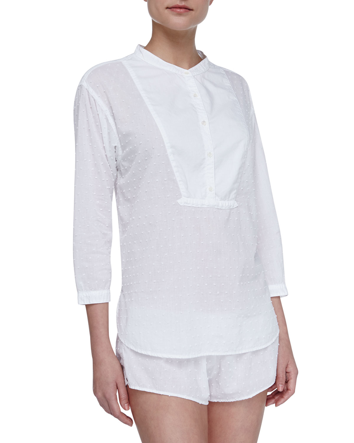 Old Navy has a collection of cotton shirts that provides a stylish look and a comfortable fit. Choose from cotton shirts in a wide selection of fabulous styles and colors.
