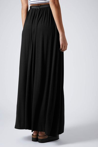 topshop black jersey pleat maxi skirt in black lyst