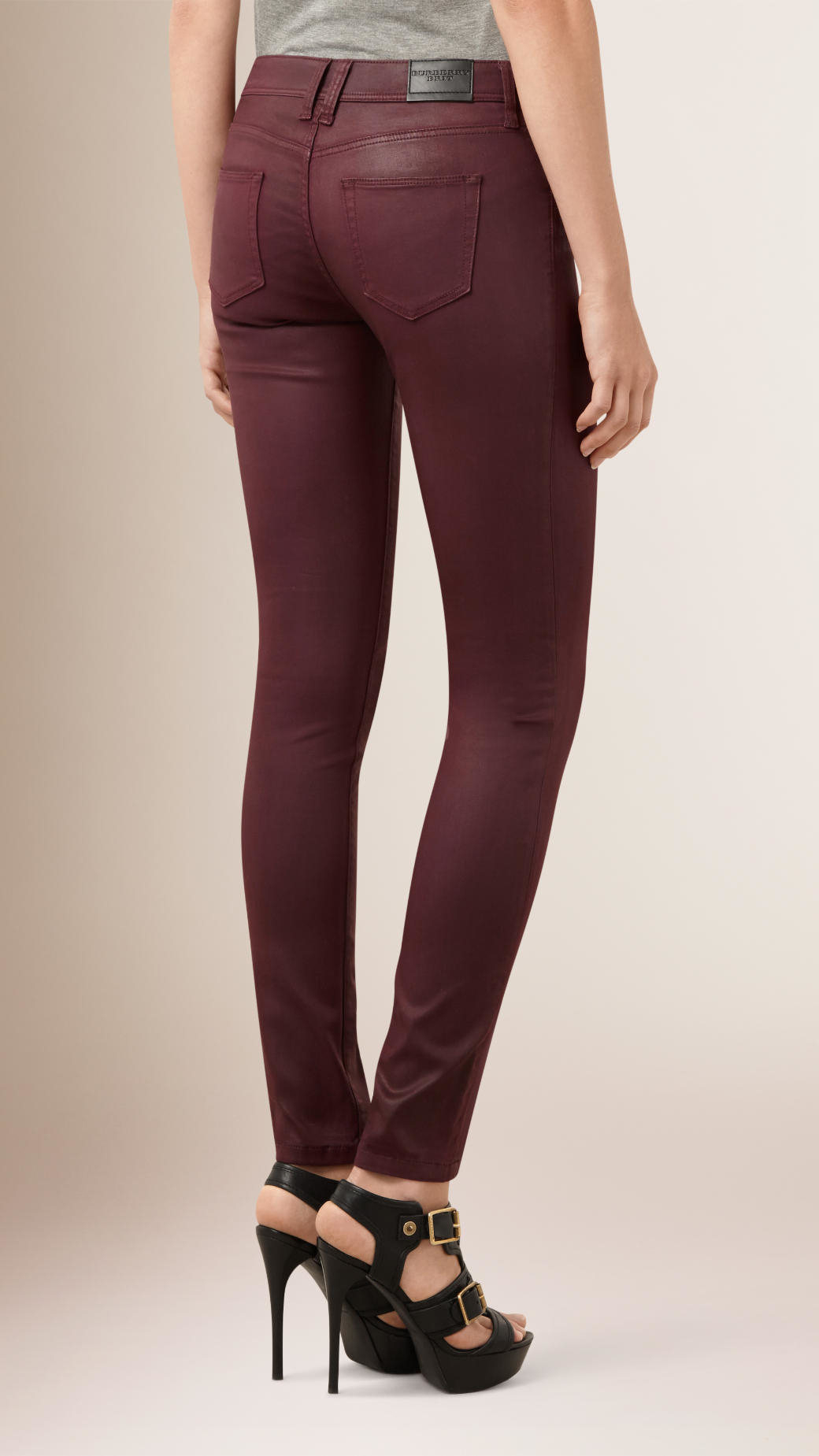 Find a modern, sleek take on classic denim with Old Navy's skinny jeans for women. Old Navy Skinny Jeans Collection. Our women's skinny jeans are made .