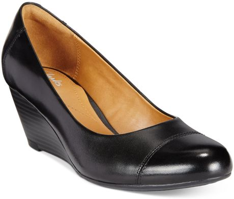 brielle black single women Best deal on me too brielle flat (women) at $7995 back to parenting me too women's me too brielle flat, size 65 m - black nordstrom $ 7995 me too women.