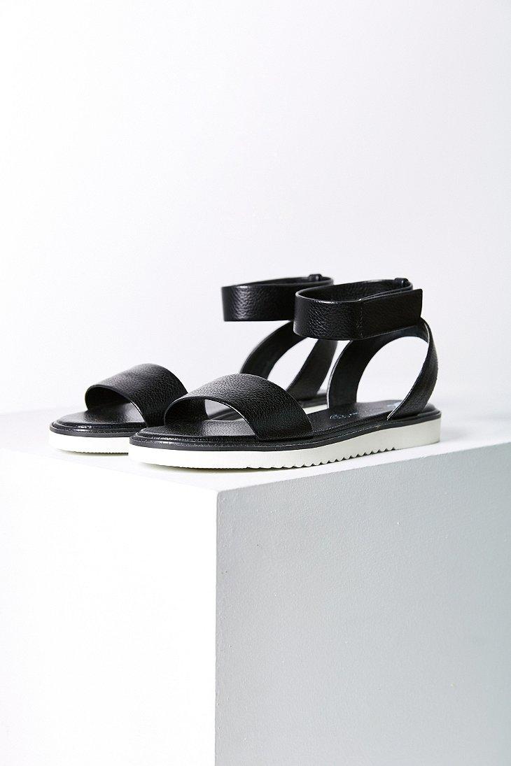 a2f24fbf392bb Lyst - BC Footwear Jaguar Sandal in Black