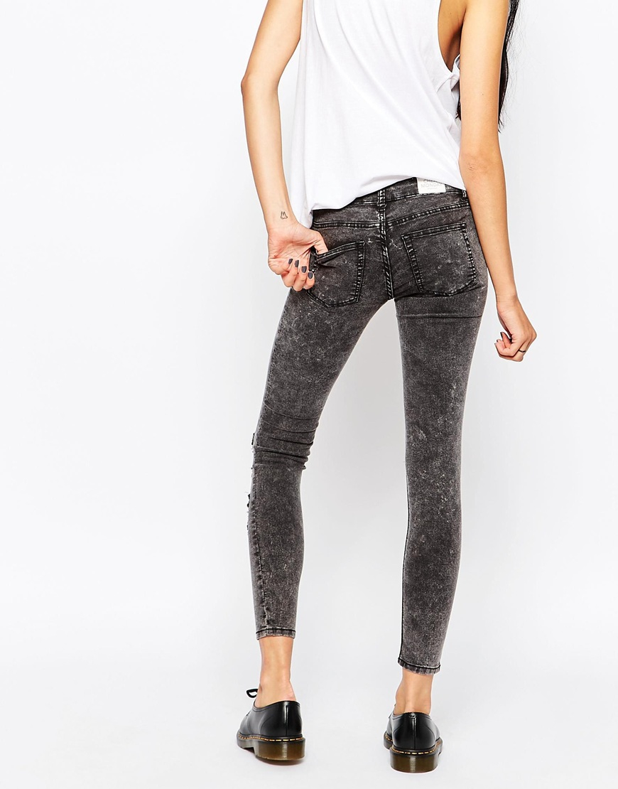Cheap monday Low Spray Jeans With Destructed Knees in Black | Lyst