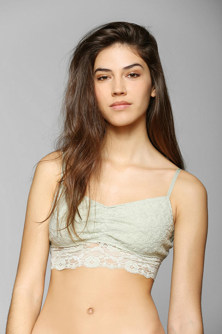 0caea1757af3c Lyst - Urban Outfitters Kimchi Blue Scallop Lace Bralette in White