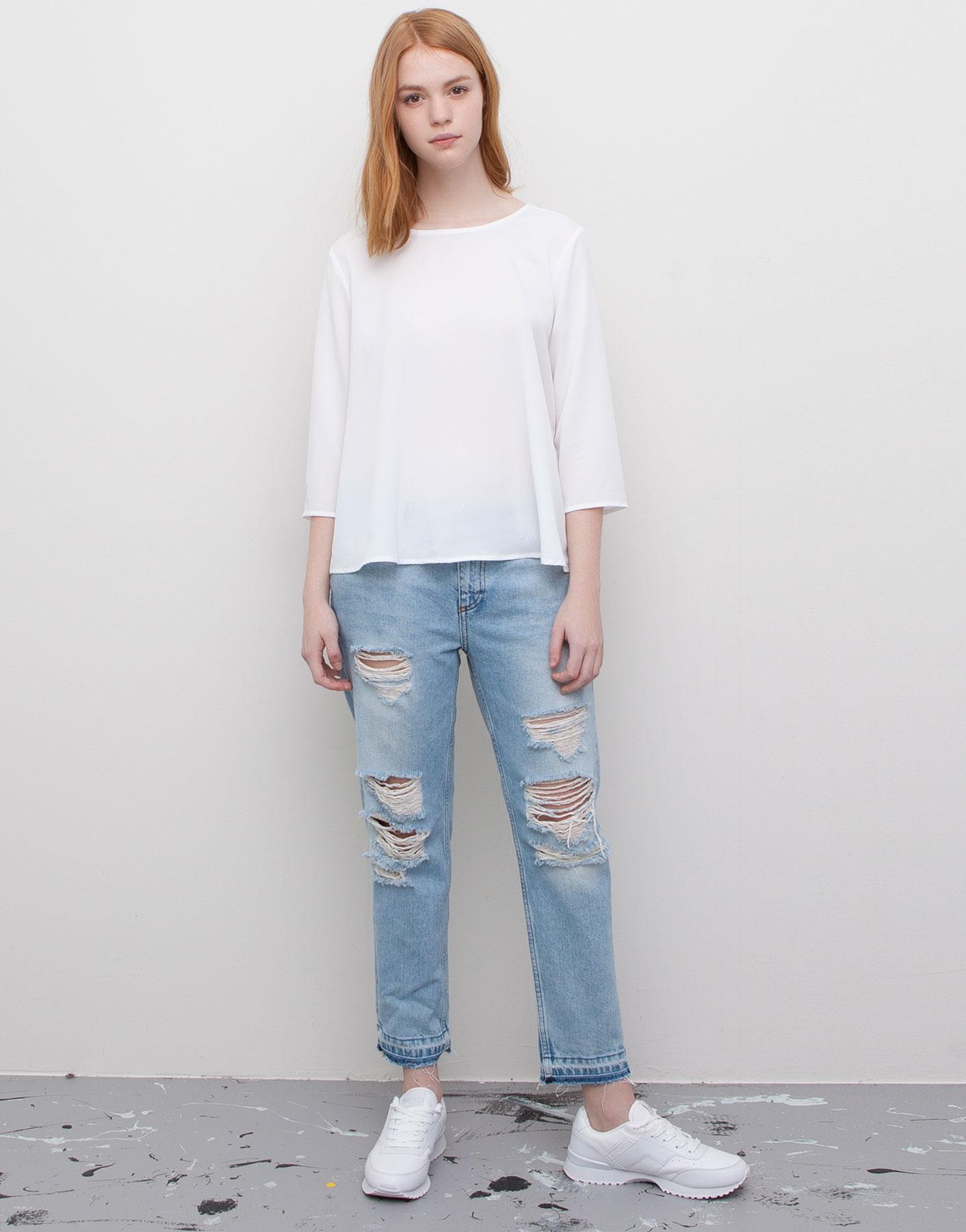 Ripped Straight Leg Jeans Ye Jean