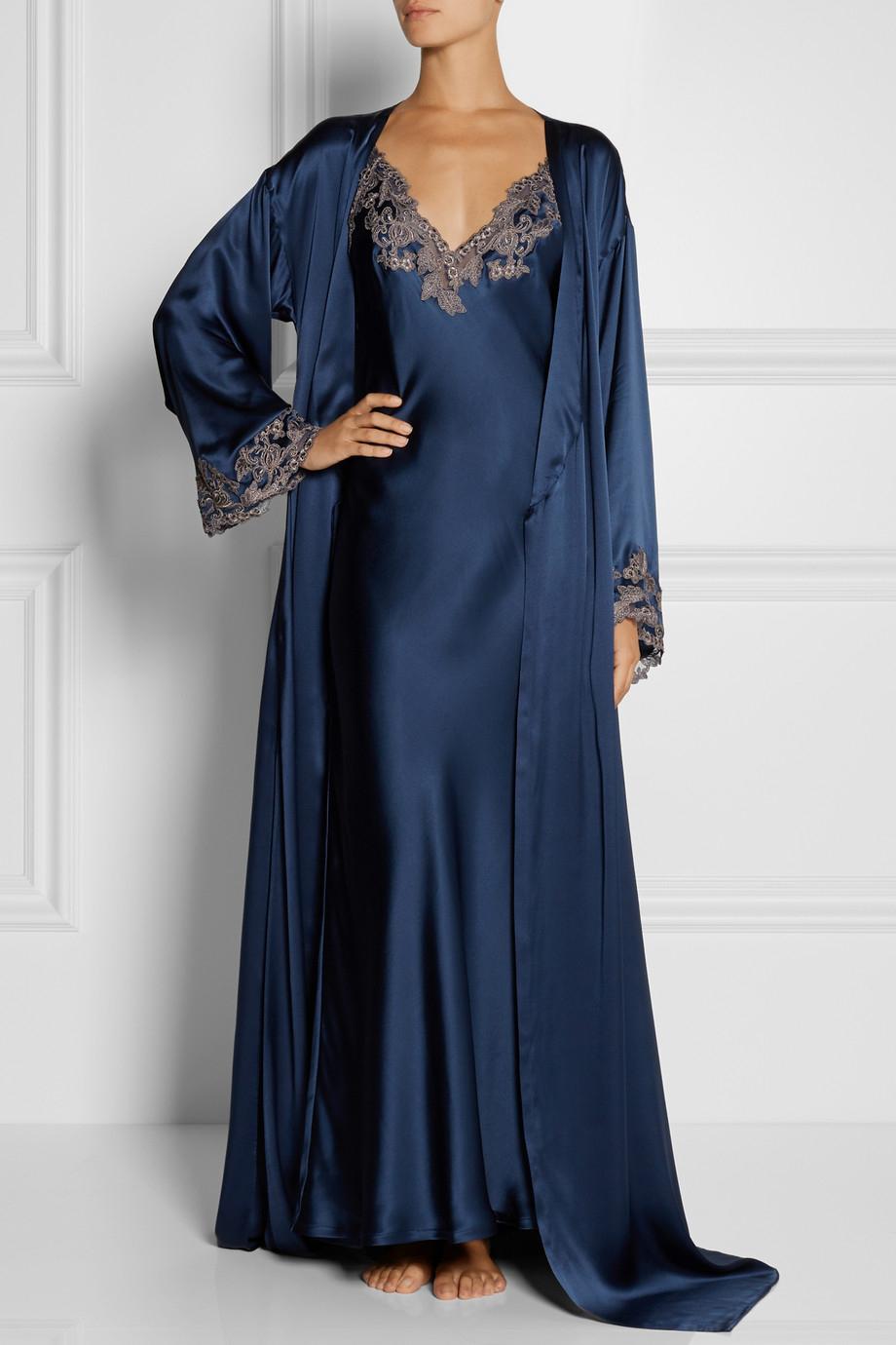 La Perla Maison Lace-Trimmed Silk-Satin Robe in Blue - Lyst