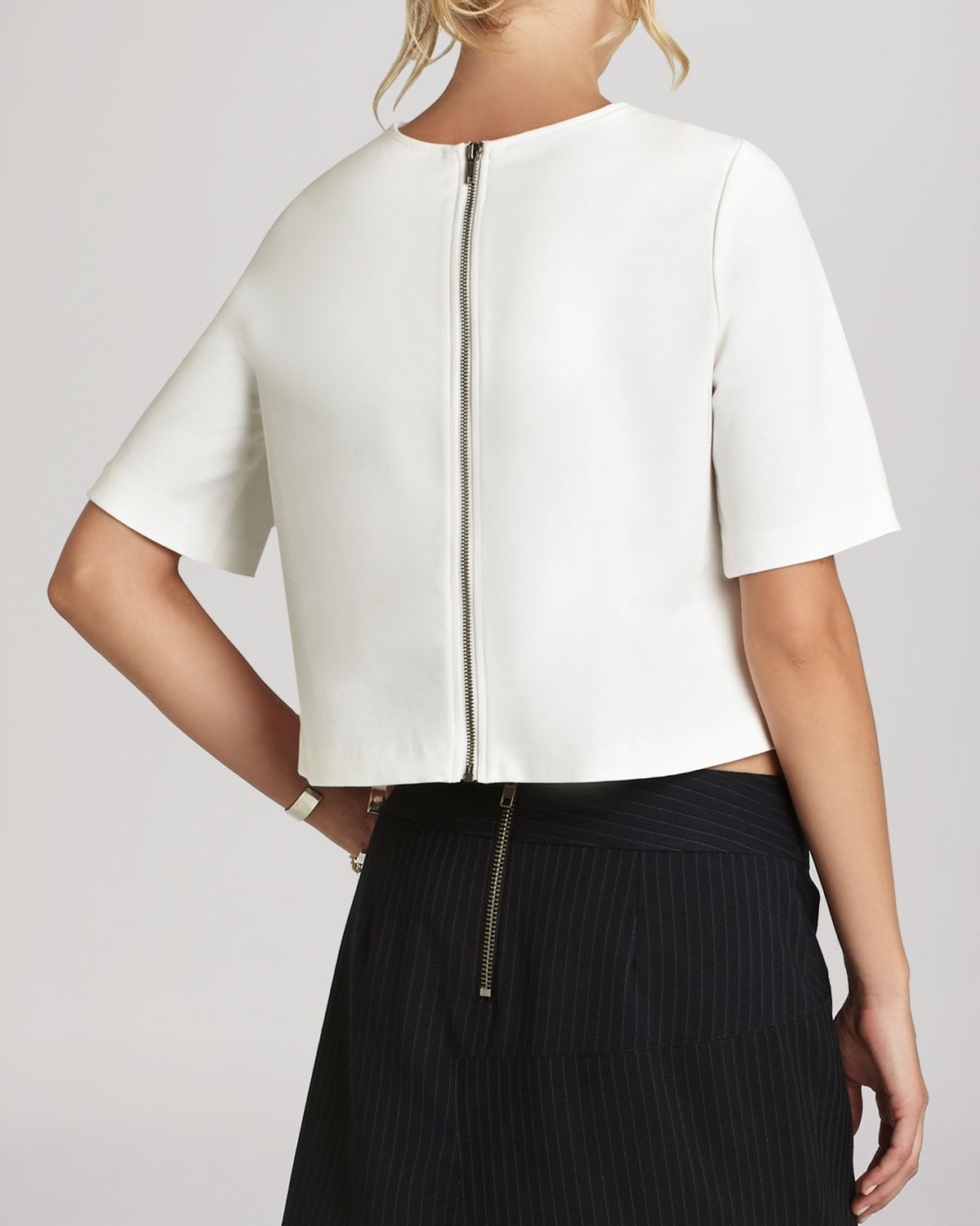 3aa5ecb3373ce Lyst - BCBGeneration Boxy Crop Top in White
