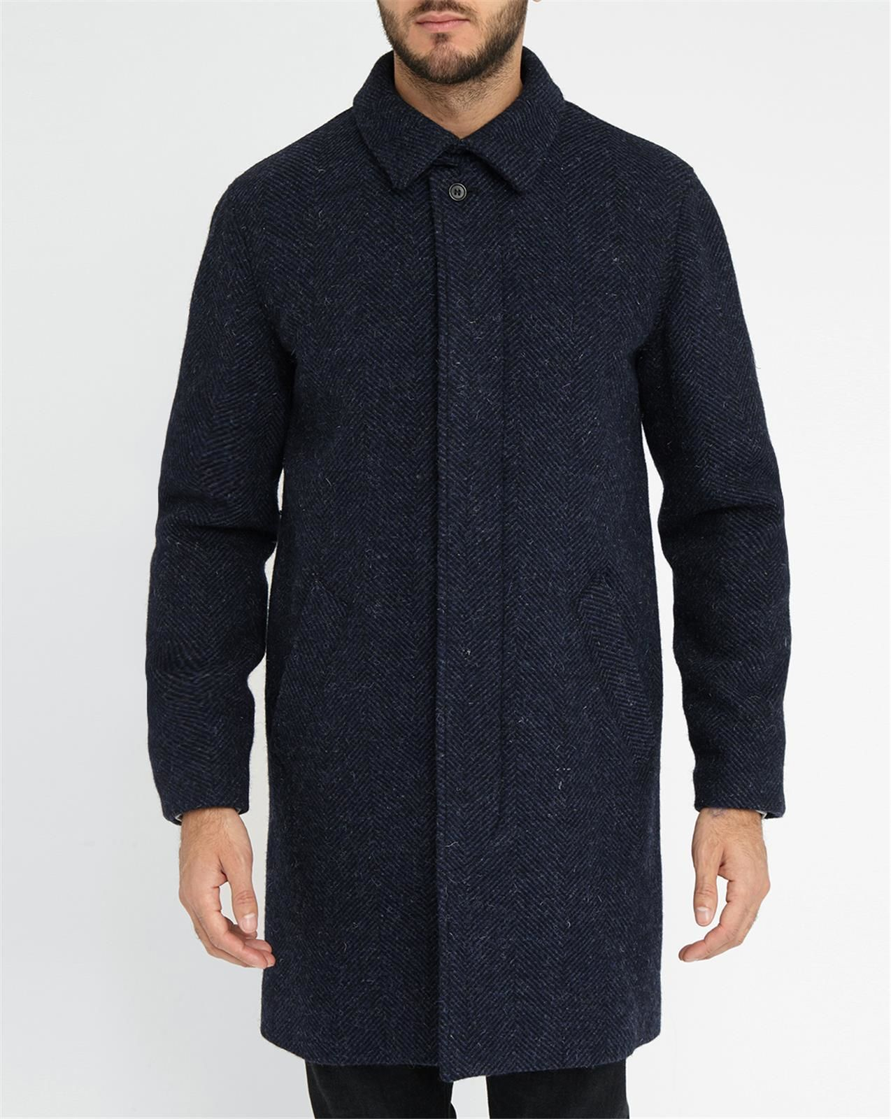 Discover men's mac coats. Browse the range of men's trench coats and raincoats at ASOS. Shop from a variety of rainy-day outerwear. Shop today at ASOS.