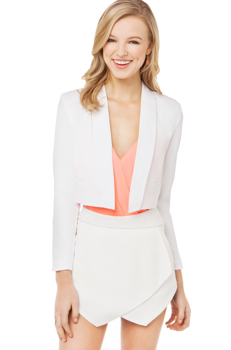 Akira Solid Cropped Blazer in White | Lyst