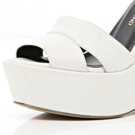 c210e9dd7b8 River Island White Wedge Sandals in White