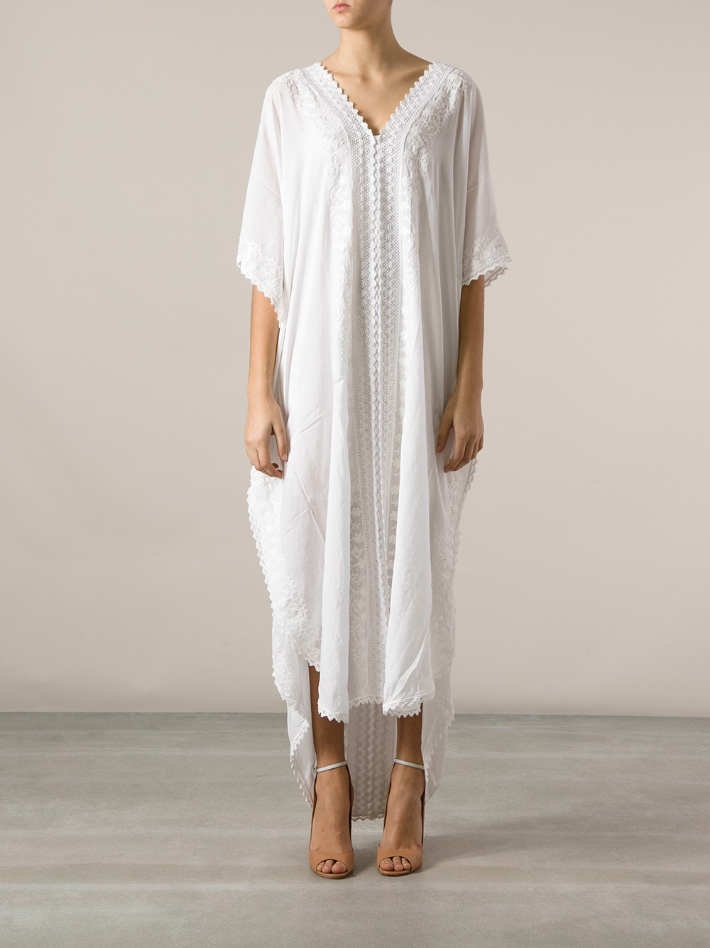 Tunic Dresses Enhance Many Body Types Some lovely warmer weather option for dressing are tunic dresses. They are one of the most functional wardrobe pieces you can have.