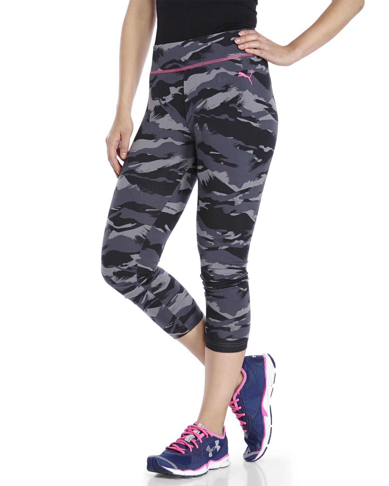 Puma Printed Capri Leggings in Black | Lyst