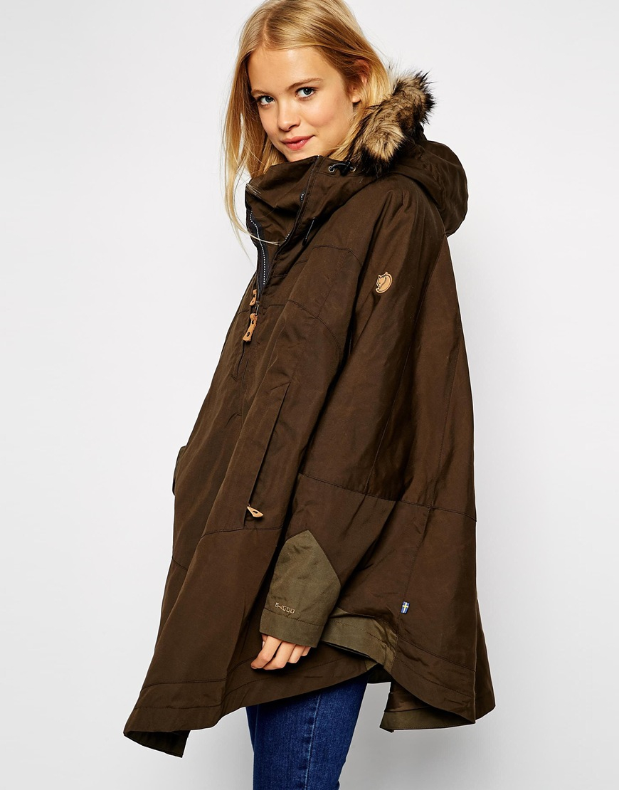 Fjallraven Waxed Cape Coat With Fur Trim Hood in Green | Lyst