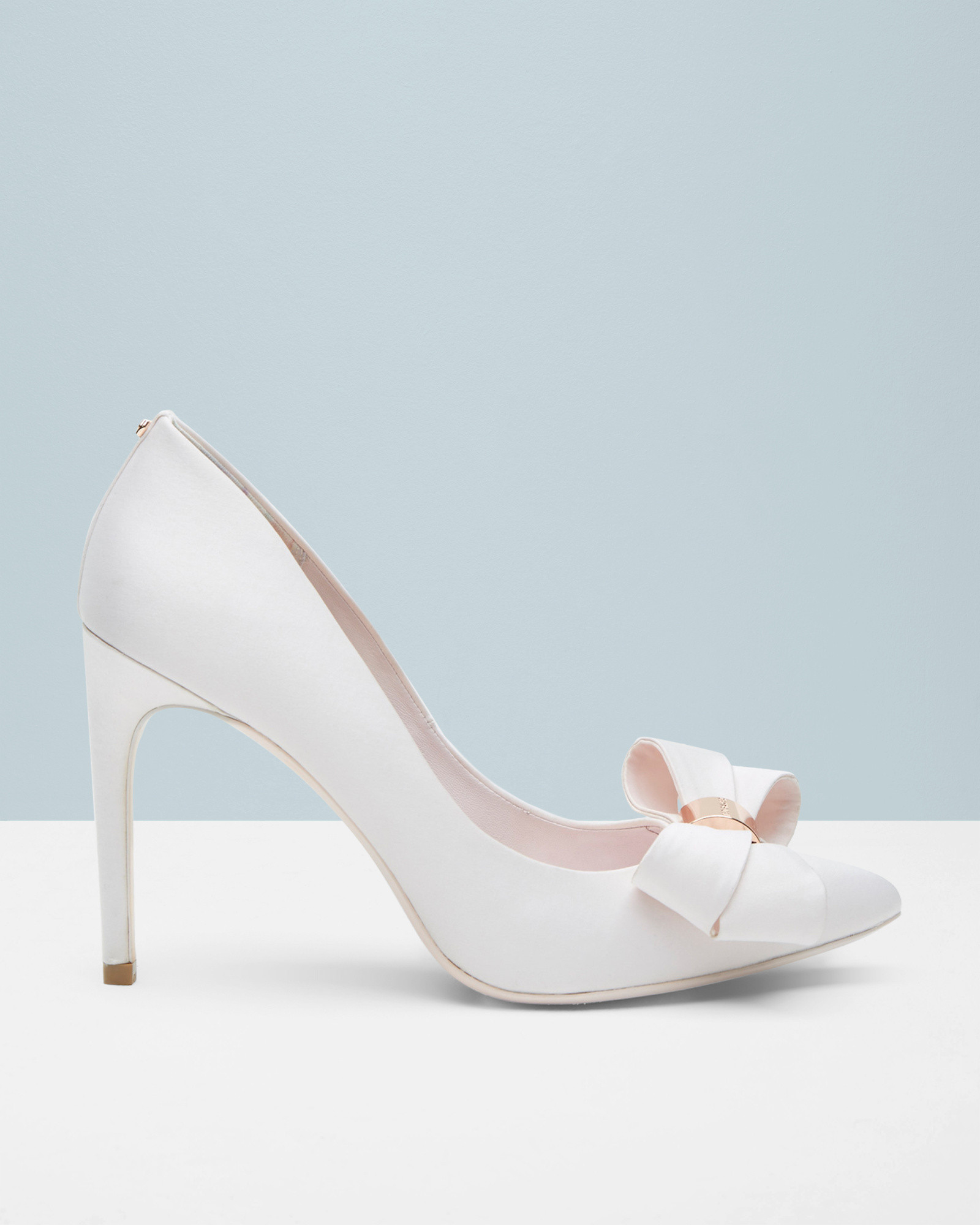 51db25efadd Ted Baker Statement Bow Court Shoes in White - Lyst