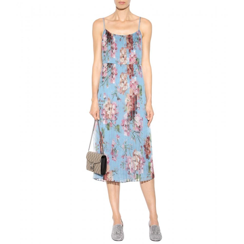 33569399a911 Gucci Dionysus GG Supreme Shoulder Bag in Natural - Lyst