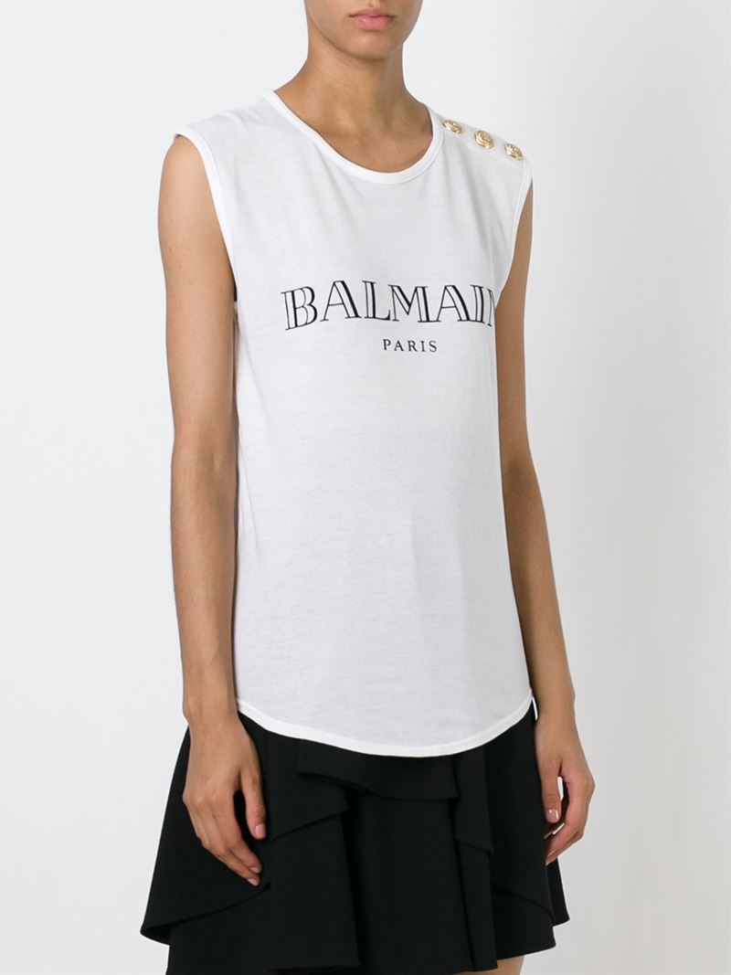 Balmain Spring Menswear collection, runway looks, beauty, models, and reviews. pinned, and printed) into this collection. Marinière tops in paillette, low-slung, were worn above.
