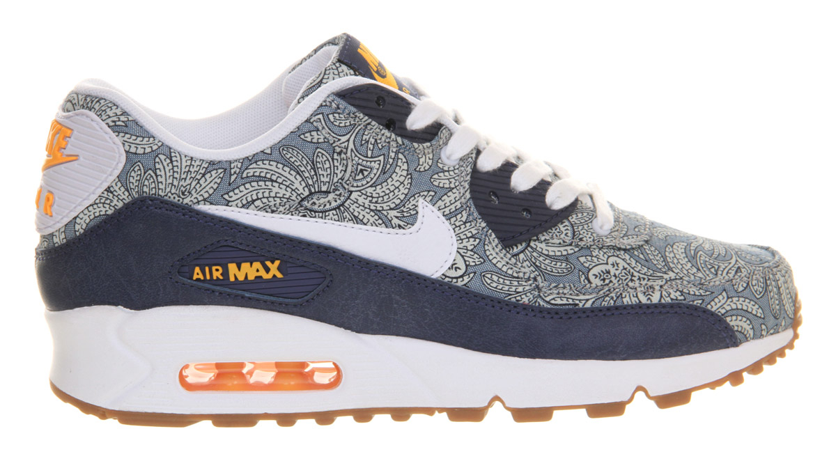 new styles 216e6 8c1d2 Gallery. Previously sold at  Blue   Cream · Women s Nike Air Max ...