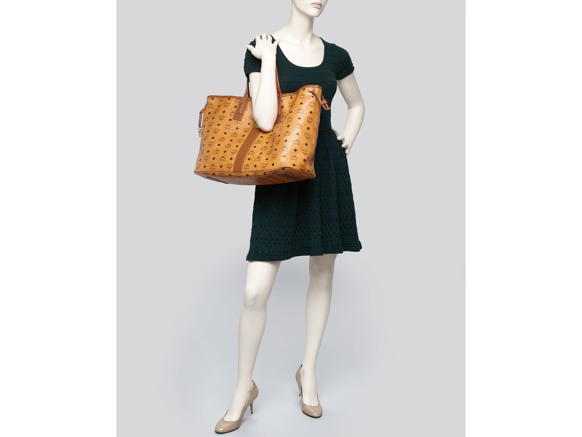 309333e278c2b Gallery. Previously sold at  Bloomingdale s · Women s Reversible Bags